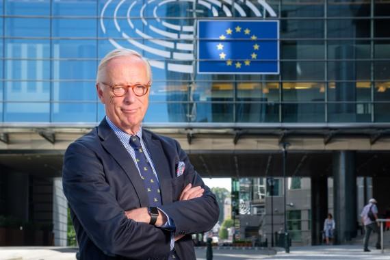 Pressmeddelande: Gunnar Hökmarks förslag till ny banklagstiftning antagen
