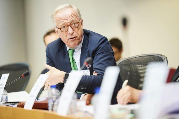 Gunnar Hökmark ställer Maltas regerigen till svars för problemen med penningtvätt och ekonomisk brottslighet
